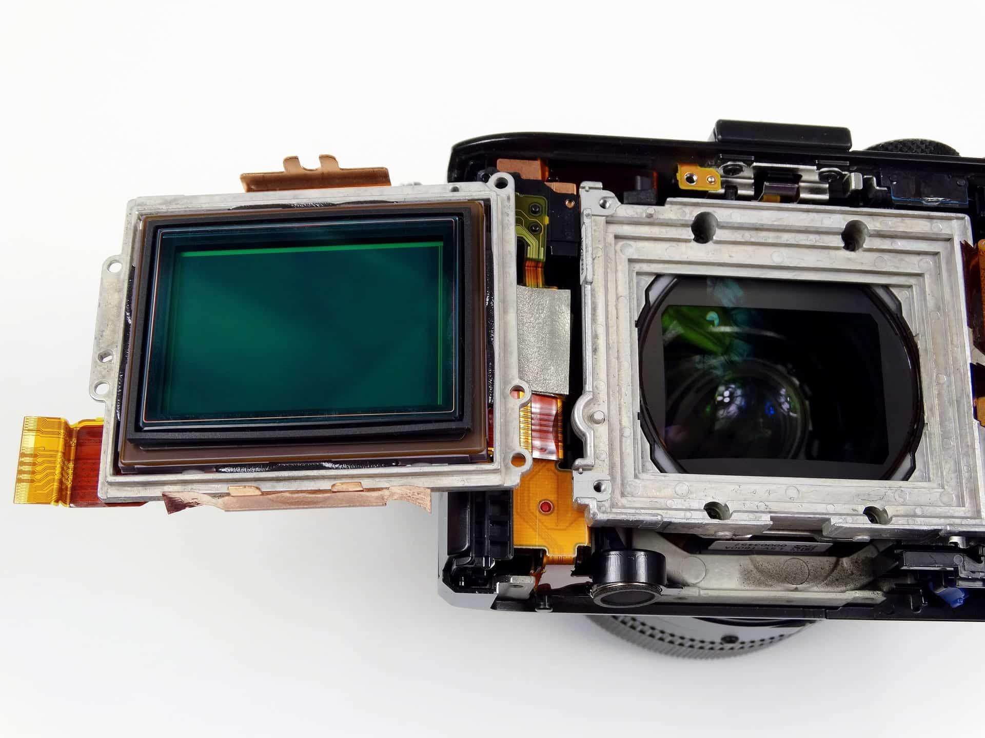 Kamera mit offengelegten Sensor